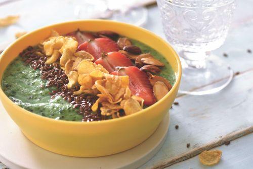 Kiwi Smoothie Breakfast Bowl